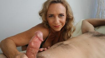 Milf Handjob with Kenzi